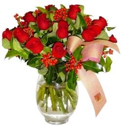 Samsun çiçek servisi , çiçekçi adresleri  11 adet kirmizi gül  cam aranjman halinde