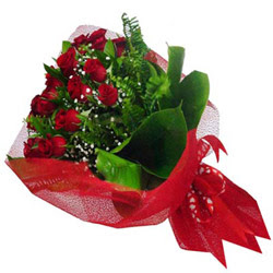 Samsun çiçekçi mağazası  12 adet kirmizi essiz gül buketi - SEVENE ÖZEL