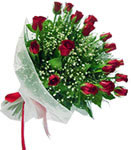 Samsun kaliteli taze ve ucuz çiçekler  11 adet kirmizi gül buketi sade ve hos sevenler