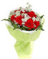 Samsun anneler günü çiçek yolla  7 adet kirmizi gül buketi tanzimi