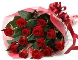 Samsun çiçekçi telefonları  10 adet kipkirmizi güllerden buket tanzimi