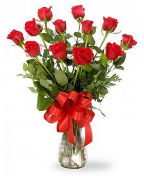 Samsun anneler günü çiçek yolla  12 adet kırmızı güllerden vazo tanzimi