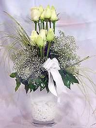 Samsun çiçek yolla , çiçek gönder , çiçekçi   9 adet vazoda beyaz gül - sevdiklerinize çiçek seçimi