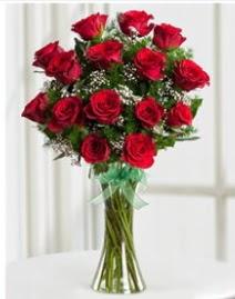 Cam vazo içerisinde 11 kırmızı gül vazosu  Samsun çiçekçi telefonları