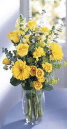 Samsun çiçek yolla , çiçek gönder , çiçekçi   sari güller ve gerbera cam yada mika vazo