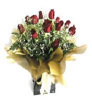 Samsun yurtiçi ve yurtdışı çiçek siparişi  11 adet kirmizi gül  buketi