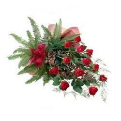 Samsun çiçek yolla , çiçek gönder , çiçekçi   10 adet kirmizi gül özel buket çiçek siparisi