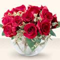 Samsun çiçek , çiçekçi , çiçekçilik  mika yada cam içerisinde 10 gül - sevenler için ideal seçim -