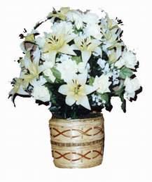 yapay karisik çiçek sepeti   Samsun hediye çiçek yolla