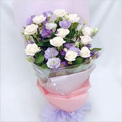 Samsun kaliteli taze ve ucuz çiçekler  BEYAZ GÜLLER VE KIR ÇIÇEKLERIS BUKETI