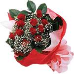Samsun kaliteli taze ve ucuz çiçekler  KIRMIZI AMBALAJ BUKETINDE 12 ADET GÜL