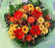 Samsun hediye sevgilime hediye çiçek  sade hos orta boy karisik demet çiçek