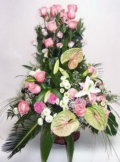 Samsun hediye sevgilime hediye çiçek  özel üstü süper aranjman