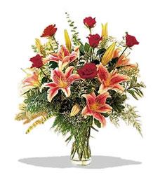Samsun ucuz çiçek gönder  Pembe Lilyum ve Gül