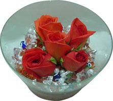 Samsun çiçek gönderme  5 adet gül ve cam tanzimde çiçekler