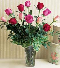 Samsun hediye çiçek yolla  12 adet karisik renkte gül cam yada mika vazoda