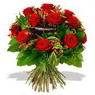 9 adet kirmizi gül ve kir çiçekleri  Samsun kaliteli taze ve ucuz çiçekler