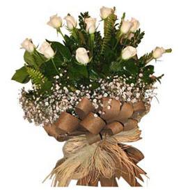 Samsun uluslararası çiçek gönderme  9 adet beyaz gül buketi