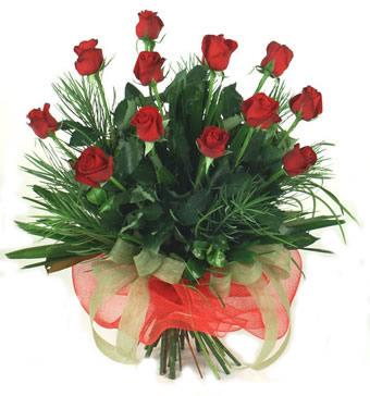 Çiçek yolla 12 adet kirmizi gül buketi  Samsun çiçek siparişi sitesi