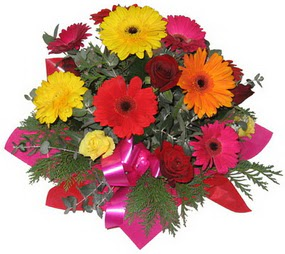 Karisik mevsim çiçeklerinden buket  Samsun çiçek satışı