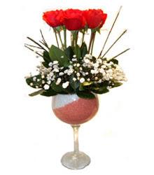 Samsun güvenli kaliteli hızlı çiçek  cam kadeh içinde 7 adet kirmizi gül çiçek