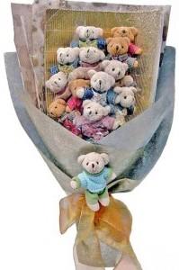 12 adet ayiciktan buket tanzimi  Samsun İnternetten çiçek siparişi