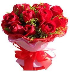 9 adet kirmizi güllerden kipkirmizi buket  Samsun güvenli kaliteli hızlı çiçek