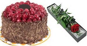 1 adet yas pasta ve 1 adet kutu gül  Samsun çiçek yolla