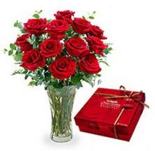 Samsun çiçek servisi , çiçekçi adresleri  10 adet cam yada mika vazoda gül çikolata