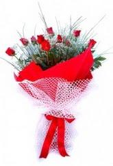 Samsun çiçek siparişi vermek  9 adet kirmizi gül buketi demeti