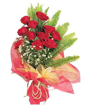 Samsun çiçek siparişi vermek  11 adet kırmızı güllerden buket modeli