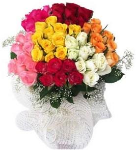 Samsun uluslararası çiçek gönderme  51 adet farklı renklerde gül buketi