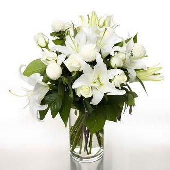 Samsun online çiçek gönderme sipariş  1 dal cazablanca 7 adet beyaz gül vazosu