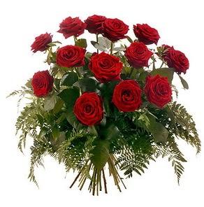 Samsun kaliteli taze ve ucuz çiçekler  15 adet kırmızı gülden buket