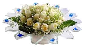 Samsun çiçek , çiçekçi , çiçekçilik  11 adet Beyaz güller özel cam tanzim