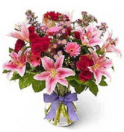 Vazo içerisinde karışık mevsim çiçeği  Samsun çiçek mağazası , çiçekçi adresleri