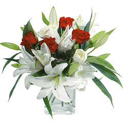 vazo içerisinde 4 gül 1 adet kazablanka  Samsun çiçek yolla , çiçek gönder , çiçekçi