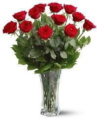 11 adet kırmızı gül vazoda  Samsun yurtiçi ve yurtdışı çiçek siparişi