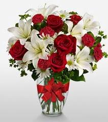 Eşsiz vazo tanzimi güller kazablankalar  Samsun çiçek yolla , çiçek gönder , çiçekçi