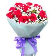 12 adet kırmızı gül ve beyaz kır çiçekleri  Samsun çiçek servisi , çiçekçi adresleri