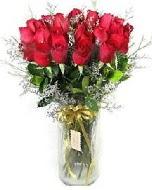 27 adet vazo içerisinde kırmızı gül  Samsun çiçek siparişi vermek