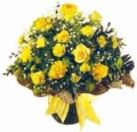 Samsun anneler günü çiçek yolla  Sari gül karanfil ve kir çiçekleri