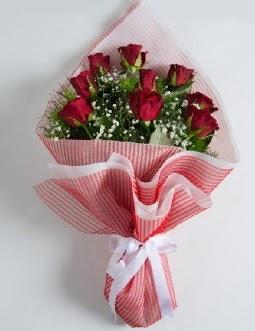 9 adet kırmızı gülden buket  Samsun 14 şubat sevgililer günü çiçek