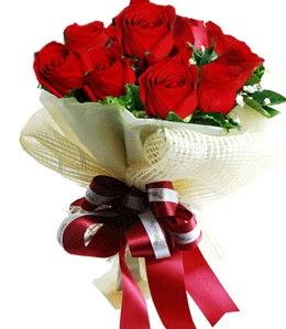 9 adet kırmızı gülden buket tanzimi  Samsun online çiçek gönderme sipariş