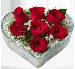 Kalp içerisinde 7 adet kırmızı gül  Samsun ucuz çiçek gönder