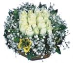 Samsun güvenli kaliteli hızlı çiçek  Beyaz harika bir gül sepeti