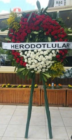 Cenaze çelengi cenazeye çiçek modeli  Samsun 14 şubat sevgililer günü çiçek