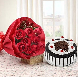 12 adet kırmızı gül 4 kişilik yaş pasta  Samsun anneler günü çiçek yolla