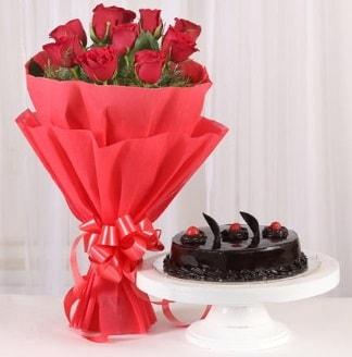 10 Adet kırmızı gül ve 4 kişilik yaş pasta  Samsun kaliteli taze ve ucuz çiçekler