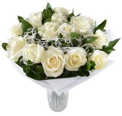 15 beyaz gül buketi sade aşk  Samsun 14 şubat sevgililer günü çiçek